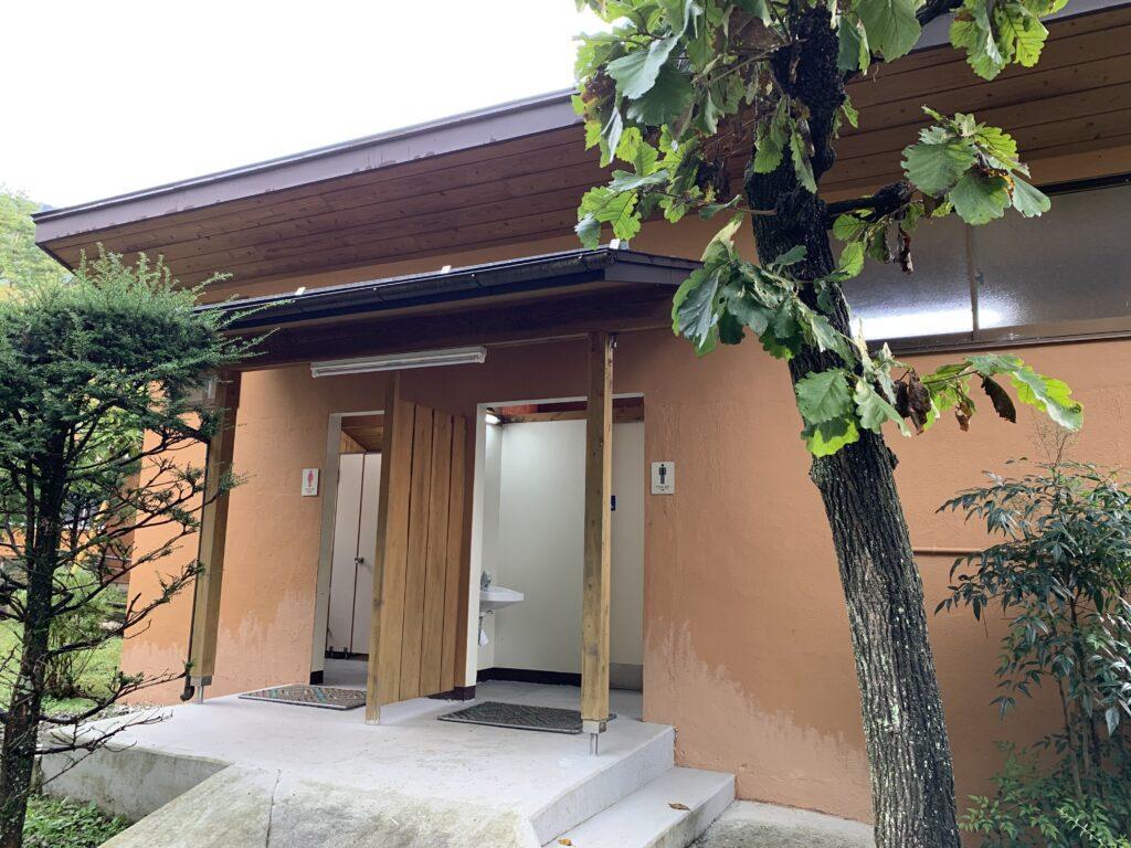 観岳園キャンプ場 トイレ